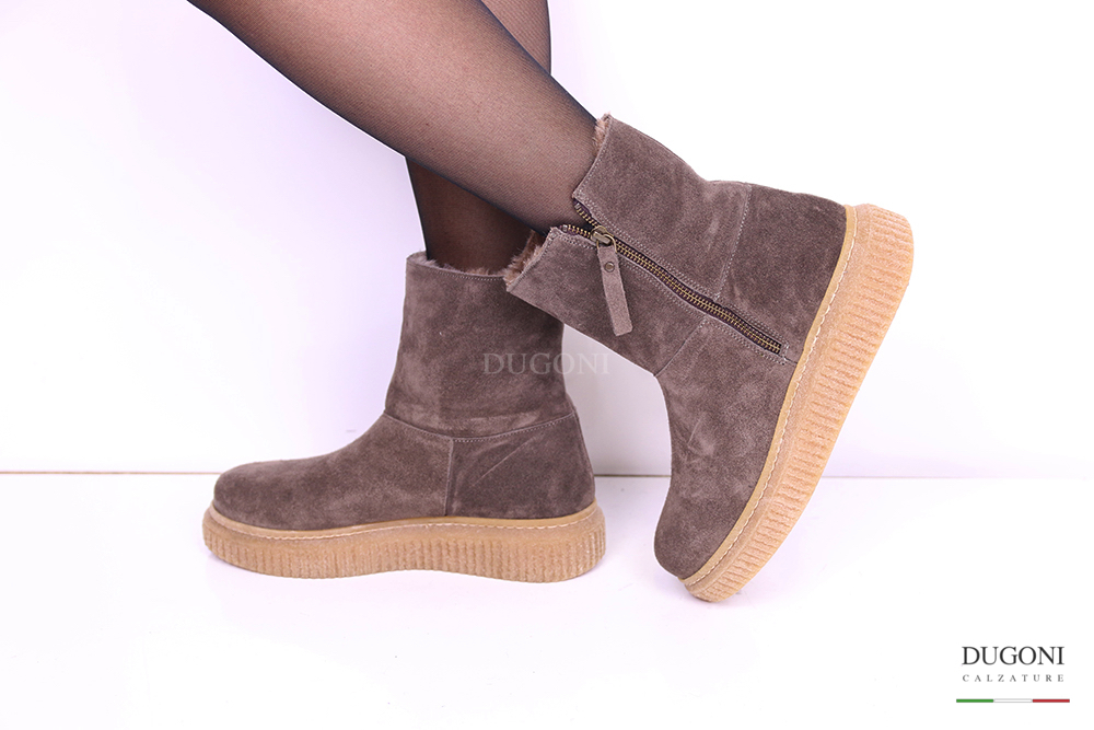 Stivaletto in camoscio taupe con lana </br> D998 Outlet