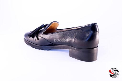 Mocassino nero con nappine </br> D665 Scarpe donna