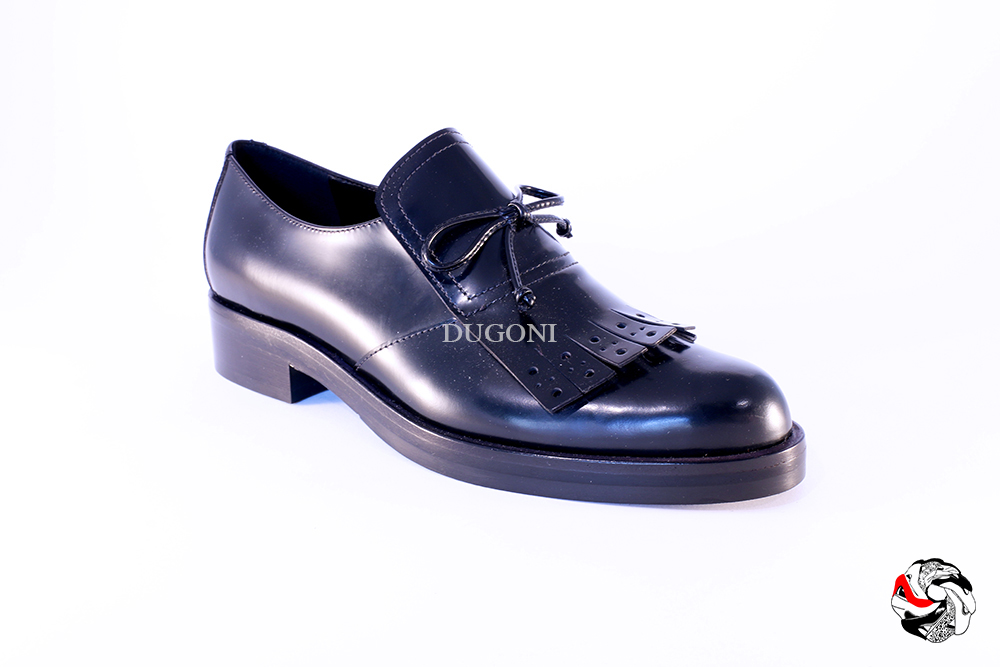 Slip-on con frangia e fiocchetto nero </br> D711 Outlet