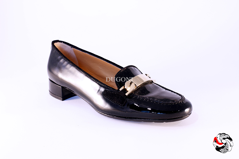 Mocassino di vernice nero con accessorio </br> D724 Outlet