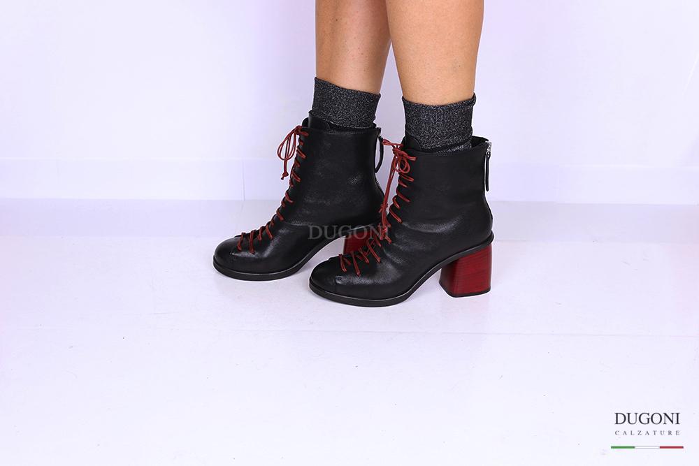 Stivaletto con lacci tacco rosso alto </br> D1129 Scarpe donna