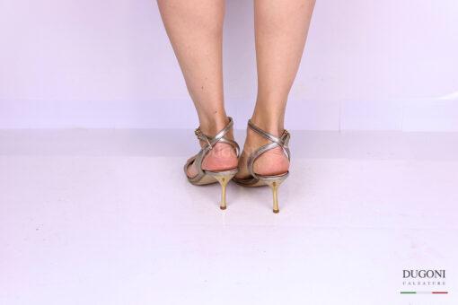 Sandalo minimal tacco sottile pelle platino </br> D1176 Outlet