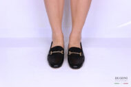 Mocassino con morsetto in pelle nera </br> D1173 Outlet